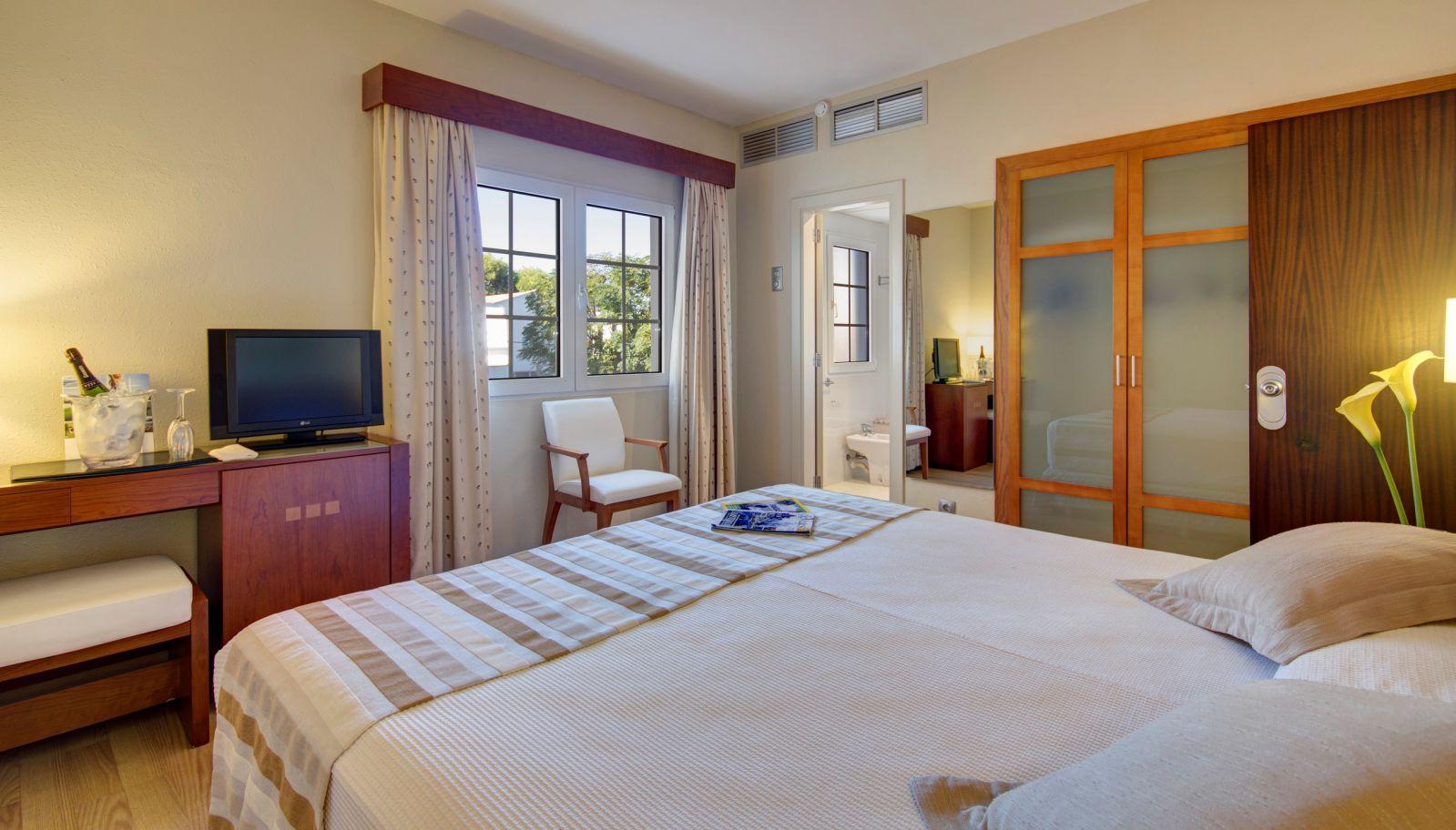 Hotel Menorca Patricia - Hotel en Ciutadella - Habitación estándar